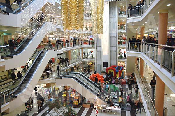 I benefici di Fotosan per un centro commerciale, sempre al chiuso